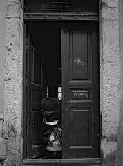 Untitled (yuzefe) Tags: lviv contax contaxs2 contaxzeiss cy zeiss urban manualfocus monochrome blackandwhite blackwhitephotos bw bwfilm film 35mmfilm distagon distagon35mmf14 kodak kodaktmax100 analog