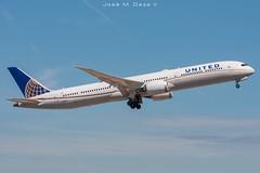 United Airlines B787-10 N16008 (José M. Deza) Tags: 20190510 b78710 bcn boeing dreamliner elprat lebl n16008 planespotting spotter unitedairlines aircraft