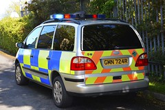 GMN-724-R (S11 AUN) Tags: isleofman manx police ford galaxy driver training driving school arv armed response firearms support traffic car anpr rpu roads policing unit 999 emergency vehicle gmn724r 2004