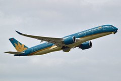 Vietnam Airlines VN-A898 Airbus A350-941 cn/279 @ LFPG / CDG 07-05-2019 (Nabil Molinari Photography) Tags: vietnam airlines vna898 airbus a350941 cn279 lfpg cdg 06052019