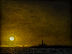 Fremantle, WA, (desimage) Tags: freemantle beach sunset wa australia seaside perth indianocean westernaustralia sea ocean topaz texture desimage desgould golden goldenlight freo fremantle port harbor harbour