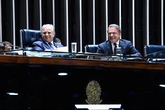 "Alvaro Dias na mesa no Senado Federal • <a style=""font-size:0.8em;"" href=""http://www.flickr.com/photos/100019041@N05/32900111737/"" target=""_blank"">View on Flickr</a>"