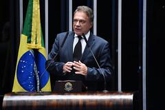 """Alvaro Dias em Discurso na Tribuna do Plenário do Senado Federal • <a style=""""font-size:0.8em;"""" href=""""http://www.flickr.com/photos/100019041@N05/32900112887/"""" target=""""_blank"""">View on Flickr</a>"""