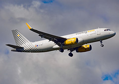 EC-MEL (Skidmarks_1) Tags: airbusa320 vueling ecmel engm norway osl oslogardermoenairport aviation aircraft airport airliners