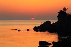 Beautiful moments (Teruhide Tomori) Tags: water sky beach coast seashore shore kyoto tango yuhigaura landscape nature ocean japan japon sunset sea 京都 京丹後 網野 amino トワイライト 日没 夕方 日本 砂浜 ビーチ 丹後半島 rock sun 夕日ヶ浦海岸 太陽 夕日 夕陽 日本海