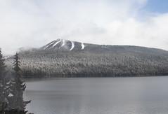 Odell Lake, Oregon (imartin92) Tags: oregon coaststarlight amtrak snow mountains lake cascades odelllake natroncutoff