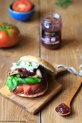 Panini con melanzane, feta e salsa alle cipolle (Giovanna-la cuoca eclettica) Tags: food homemade vegetarian vegetables formaggio panini stilllife foodstyling