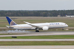 N38950 - 2014 build Boeing B787-9, smoky arrival on Runway 08R at Houston (egcc) Tags: 0950 181 36401 b787 b7879 b789 boeing bush dreamliner houston iah intercontinental kiah lightroom n38950 plasticfantastic staralliance texas ua ual united unitedairlines