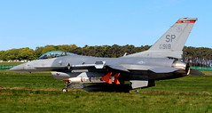 Sunday Devil (calzer) Tags: sp warhawks devil viper f16 fighting falcon usafe air force jet fighter lossie sunday canon eos