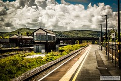Abergele&PensarnRailStation2019.05.11-15 (Robert Mann MA Photography) Tags: abergelepensarnrailstation conwy northwales train trains railway railways station stations 2019 summer 11thmay2019 transportforwales tfwrail class175 coradia class158 supersprinter class150 sprinter
