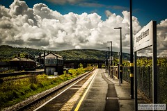 Abergele&PensarnRailStation2019.05.11-14 (Robert Mann MA Photography) Tags: abergelepensarnrailstation conwy northwales train trains railway railways station stations 2019 summer 11thmay2019 transportforwales tfwrail class175 coradia class158 supersprinter class150 sprinter