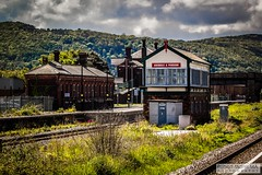 Abergele&PensarnRailStation2019.05.11-10 (Robert Mann MA Photography) Tags: abergelepensarnrailstation conwy northwales train trains railway railways station stations 2019 summer 11thmay2019 transportforwales tfwrail class175 coradia class158 supersprinter class150 sprinter