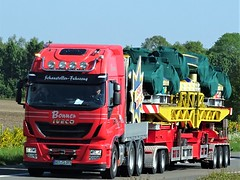 Iveco Stralis from Bonner Germany. (capelleaandenijssel) Tags: witcb100 truck trailer lorry camion lkw drawbar schaustellen fahrzeug fancy fair kermis