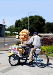 Ice Cream Man (Steven P. Moreno) Tags: santarosa california usa sugar stevenpmoreno streetvendor peopleworking stevenmorenospix2019 culture outdoors northerncalifornia streetphotography phonephotography