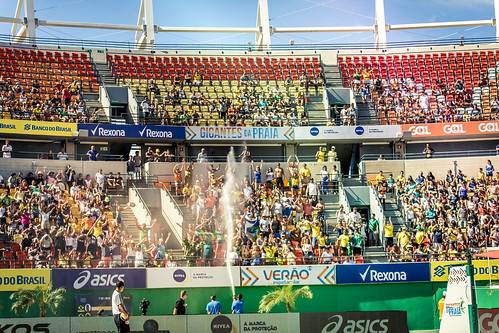brazil-vs-usa-volleyball_32726066131_o