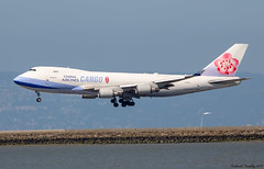 China Airlines Cargo / Boeing 747-409(F) / B-18715 / SFO (tremblayfrederick98) Tags: b b747 747 boeing747 boeing747400 747400 747lover sfo chinaairlines