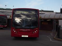 YX58 DVT Alexander Dennis Enviro200 - London United (RATP Group) DE15 (Ray's Photo Collection) Tags: enviro heathrow londonunited ratpgroup yx58dvt de15 central busstation airport bus londonbuses alexanderdennis 200 enviro200