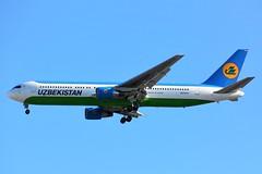 (CDG) UZBEKISTAN Boeing 767-300 ER  UK-67007 (dadie92) Tags: cdg roissy boeing b767 b767300 uk67007 landing aircraft airplane uzbekistan spotting nikon sigma d7100 tamron danieldanel