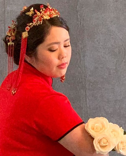 Senior Photo - Chinese with roses