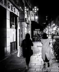 (christiandumont) Tags: streetphotohraphy streetphoto streetlife street blackandwhite blackwhite bw nb noiretblanc rue nuit night paris ruedeparis x100f fujifilm stphotographia