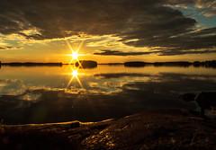 auringonlasku 1 (VisitLakeland) Tags: finland kallavesi kuopio kuopiotahko lakeland auringonlasku ilta järvi lake luonto maisema nature outdoor scenery sunset