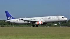 OY-KBL (AnDyMHoLdEn) Tags: sas scandinavian a321 staralliance egcc airport manchester manchesterairport 05r