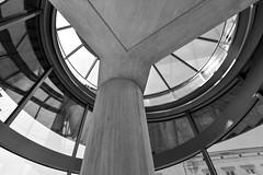 architectural watching (fred9210) Tags: berlin architectur pei monochrom regard museum verre light lumière extension design