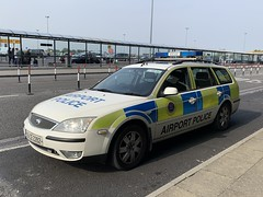 Airport Police Vehicle - Shannon Airport, Ireland - May 2019 (firehouse.ie) Tags: wagon mondeo ford cars car cops cop police airportpolice shannon