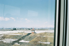 The window view (しまむー) Tags: minolta himatic e rokkor 40mm f17 kodak gold 200 北海道・東日本パス 特急 hokkaido jr express