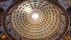 Massive dome (Nicola Pezzoli) Tags: italia italy rome roma capitale city città street photography dome cupola pantheon roof light