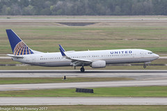 N68807 - 2013 build Boeing B737-924ER, arriving on Runway 08R at Houston (egcc) Tags: 0807 42819 4686 b737 b737900 b737900er b737924er b737ng boeing boeing737 boeing737900er bush houston iah intercontinental kiah lightroom n68807 staralliance texas ua ual united unitedairlines
