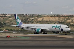 EC-NBO (moloneytomEIDW) Tags: mad madridairport airbus a350 a350900 a350941 ecnbo evelop