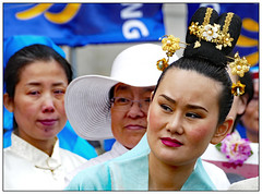 The Lookout (donbyatt) Tags: london trafalgarsquare people candid street dance costumes falungong