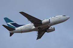 C-GBWS (LAXSPOTTER97) Tags: westjet boeing 737 737600 cgbws cn 34288 ln 1931 airport airplane aviation cyvr