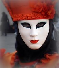 Maschera (Aellevì) Tags: carnevale rosso sguardo venezia
