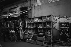 Ciudad Vieja, Montevideo (Celso Kuwajima) Tags: epsonv800 silverfastai 20190548 people streetphotography ilfordpanfplus50 market leicasuperangulon13421mm analogphotography outdoor bw leicamp montevideo montevideodepartment uruguay