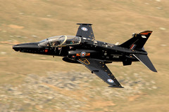 Hawk T2 1 (BigWingPhoto) Tags: royal air force raf hawk t2 bae systems training fighter jet fast military aviation lfa7 nwmta wales snowdonia mountain llyn ogwen valley a5 pass uk low level flying photos canon 7d 300f4l 14x