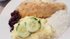 Backfisch mit Kartoffelsalat (eagle1effi) Tags: backfisch mit kartoffelsalat s7 food essen speisen möbel braun reutlingen fried fish with potato salad friedfishwithpotatosalad