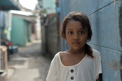 pretty rohingya girl (the foreign photographer - ฝรั่งถ่) Tags: pretty preteen rohingya girl child khlong thanon portraits bangkhen bangkok thailand nikon d3200
