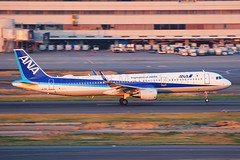 ANA Airbus A321-211 JA112A (Mark Harris photography) Tags: spotting hnd plane airbus a321 ana canon 5d