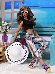 Resort fashion (Annette29aag) Tags: doll fashion redress fashionroyalty integritytoys jaemecostas photography hat