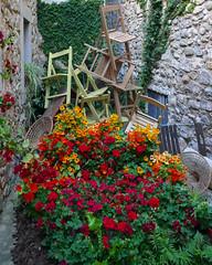 GIRONA TEMPS DE FLORS - cadiras i flors (Joan Biarnés) Tags: gironatempsdeflors2019 girona 317 panasonicfz1000