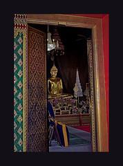 Glimpse (Antoine - Bkk) Tags: temple thailand heritage budhism bangkok