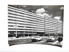 Das Haus der Elektroindustrie (ben.kaden) Tags: berlin ostberlin alexanderplatz hausderelektroindustrie architekturderddr ostmoderne ansichtskarte philokartie graphokopiesanderkg heinzmehlan peterskujin emilleibold 1969 2019 18052019 1965 1967