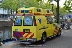 Dutch ambulance Chevy van (Dutch emergency photos) Tags: ambu ambulance ambulanz ambulans nl nederland nederlands nederlandse netherlands netherland dutch emergency photos foto fotos photo flickr amsterdam amstelland 999 911 112 blue light blauw licht lightbar lichtbalk lichtbak chevy chevrolet van vans a09 vt623v
