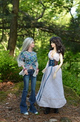 The summer comes (JL_the_Lion) Tags: thesummercomes bjd 14 msd doll fid iplehouse isabel raffine peach gold normal glowing skin my isolde friederike outdoor spring sun wood forest outfit scintillatingdollies etsy jeansbyjenna