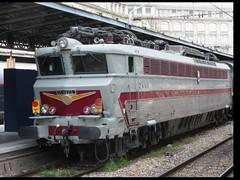 Gare de l'Est (portemolitor) Tags: garedelest sncf viveletrain locomotiveélectrique vive le train locomotive électrique electric loco gare de l est 10e 10th arrondissement 75010
