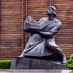 Yaroslav the Wise (Oxford Murray) Tags: yaroslav wiseman goldengate statue history kyiv ukraine oxfordmurray