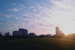 Morning Skyline (Preoccupine) Tags: columbus oh ohio city skyline buildings hill sunrise morning dawn sky nature outdoor clouds scioto audubon metro park