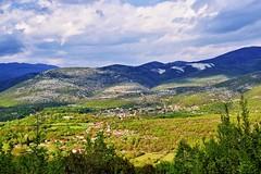 Ο οικισμός των Κομνηνών κοντά στη Σταυρούπολη Ξάνθης (ritvank) Tags: settlement komnina stavroupoli xanthi landscape mountain clouds green outdoor οικισμόσ κομνηνά σταυρούπολη ξάνθη τοπίο ύπαιθροσ βουνό σύννεφα πράσινο